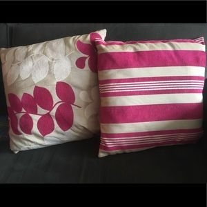 Magenta / Beige Pillow Cushions